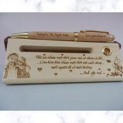 Bút gỗ khắc tên quà tặng tình yêu lứa đôi