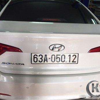 Đuôi cá liền cốp xe Hyundai Sonata