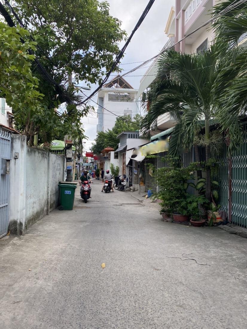 Nhà 2T hxh Lý Phục Man, Bình Thuận ,6m x10m  gần Huỳnh Tấn Phát