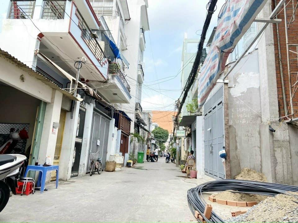 Nhà 2T hẻm xe hơi trần văn Khánh , 4.3m x 17m