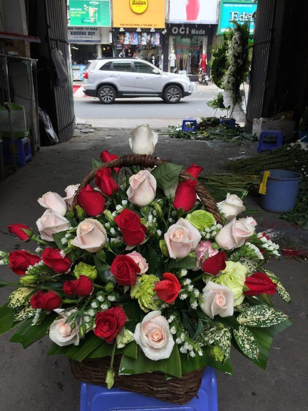 Giỏ hoa tươi chúc mừng 1
