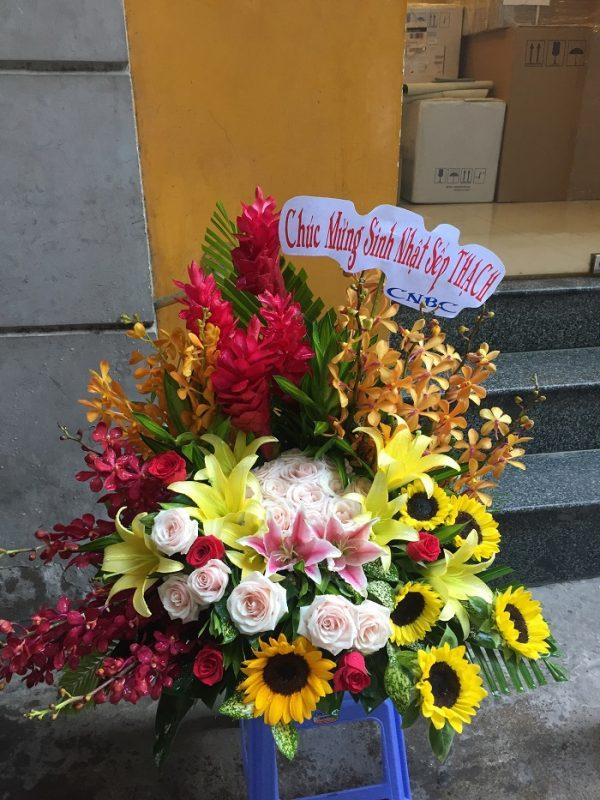 "Giỏ hoa ""Chung Thủy"""