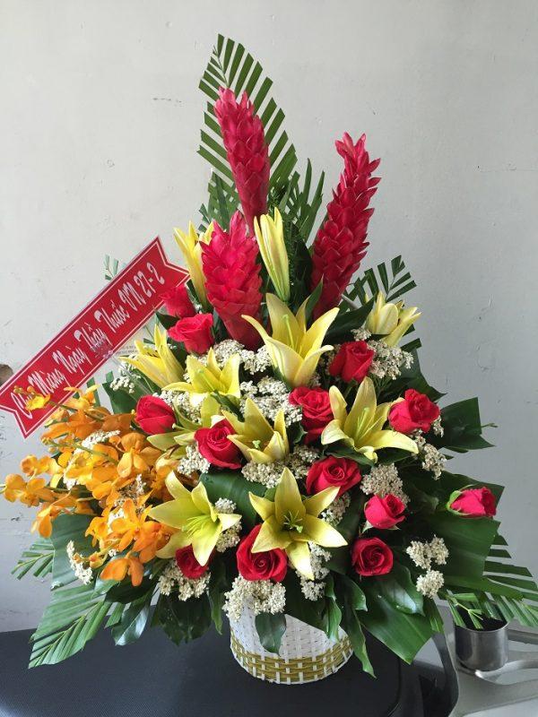 """Giỏ hoa """"Khúc Mê Ly"""" vui vẻ hạnh phúc"""