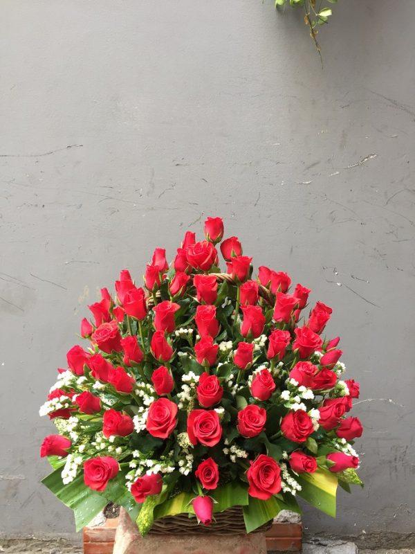 """Giỏ hoa hồng đỏ """"Cả Tấm Lòng"""""""