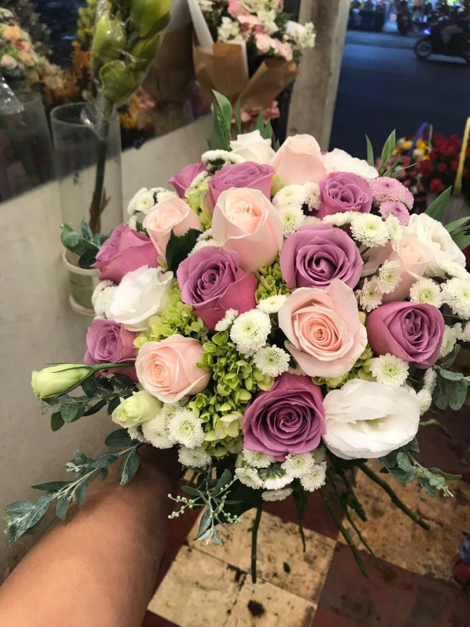 Hoa cưới sắc son trọn đời