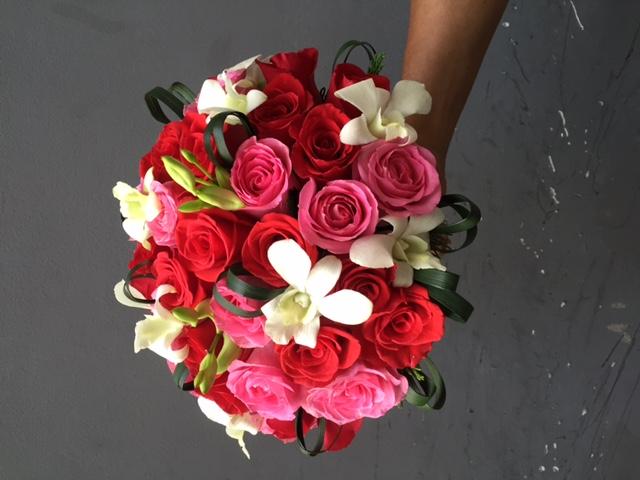Hoa tươi sắc màu yêu thương