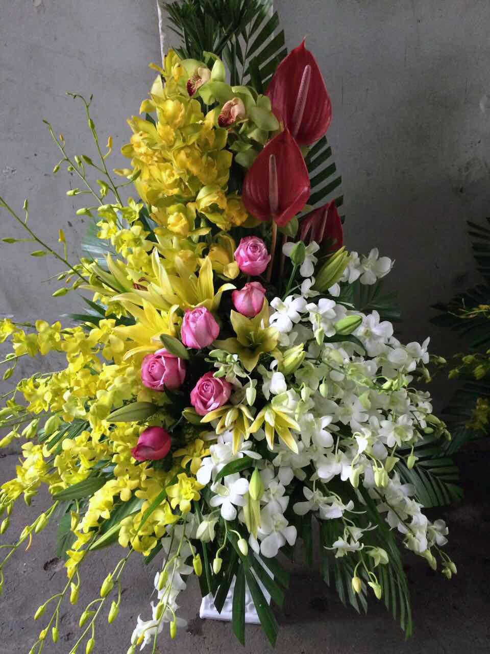 """Giỏ hoa tươi """"Công Danh Phú Quý"""" mở rộng"""