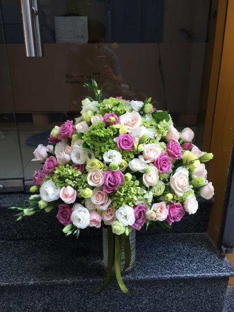 Giỏ hoa tươi Vũ Điệu Hoa say đắm lòng người