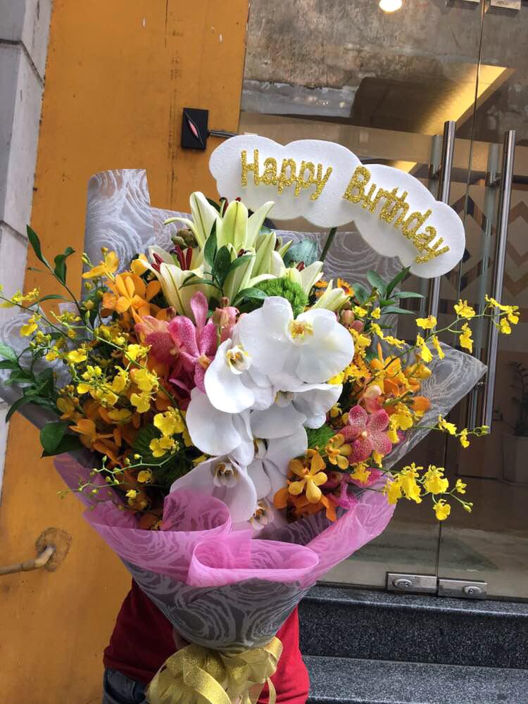 """Bó hoa tươi """"Luôn Yêu Đời"""""""