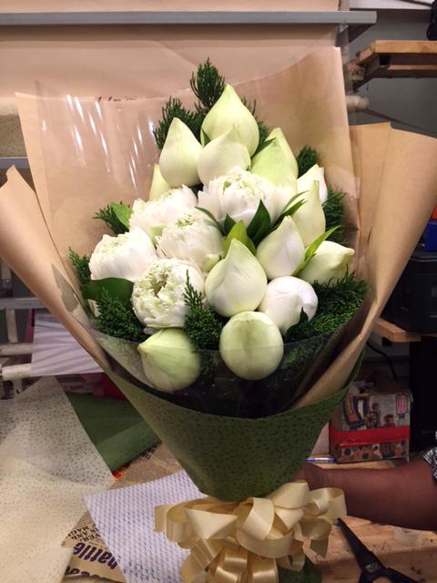 Bó hoa tươi thanh khiết