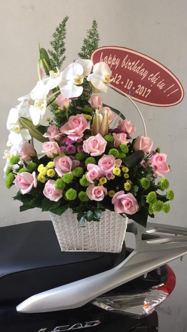 giỏ hoa tươi tặng người yêu mãi mãi bên em
