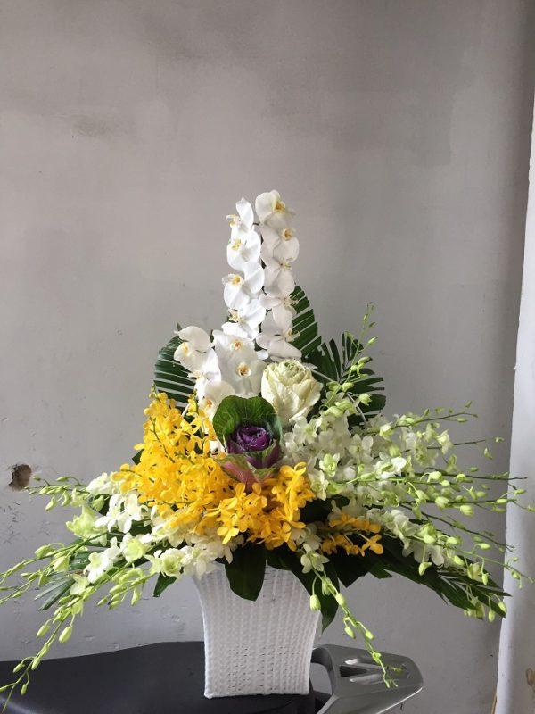 """Giỏ hoa tươi màu trắng """"Yêu Thương"""""""