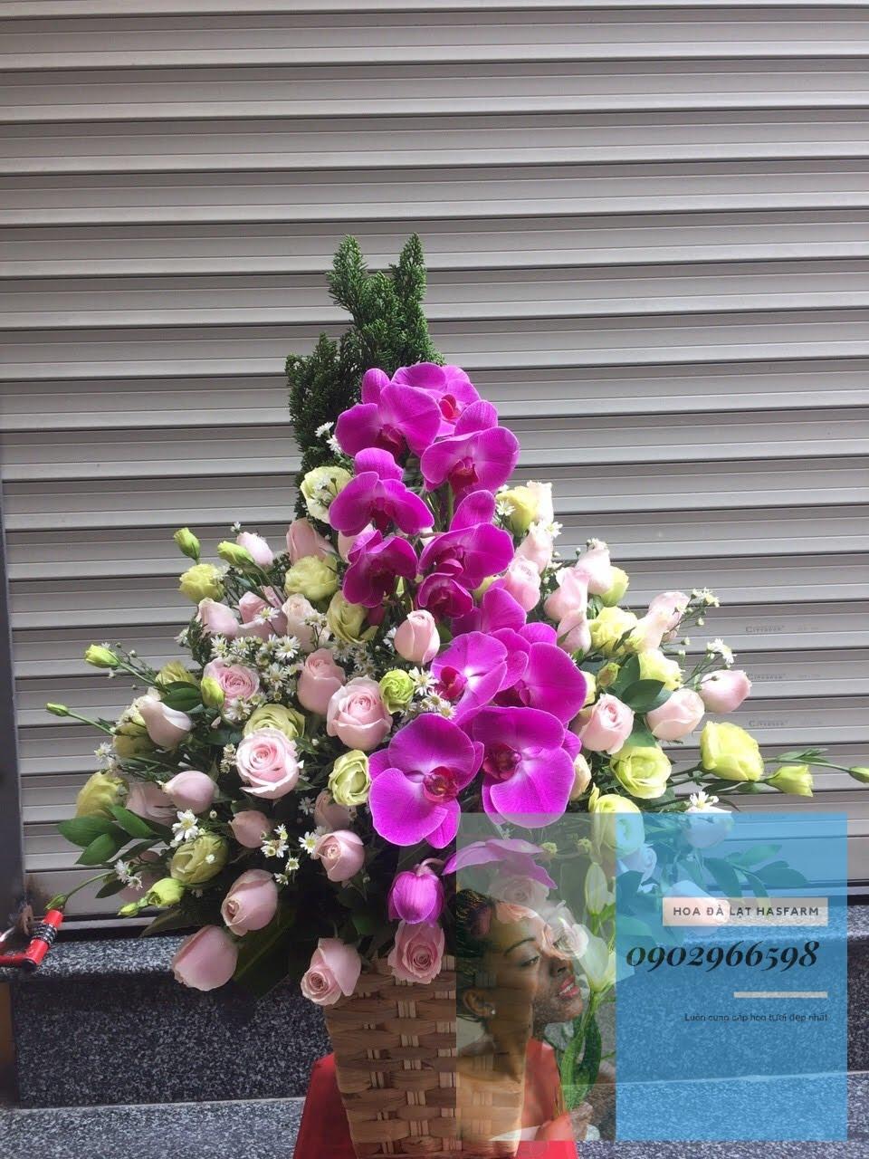 Hộp hoa Mùa Yêu Thương tinh tế