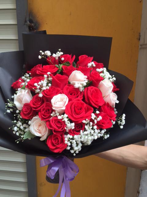 """Bó hoa cầm tay """"Yêu Mãi Ngàn Năm"""""""