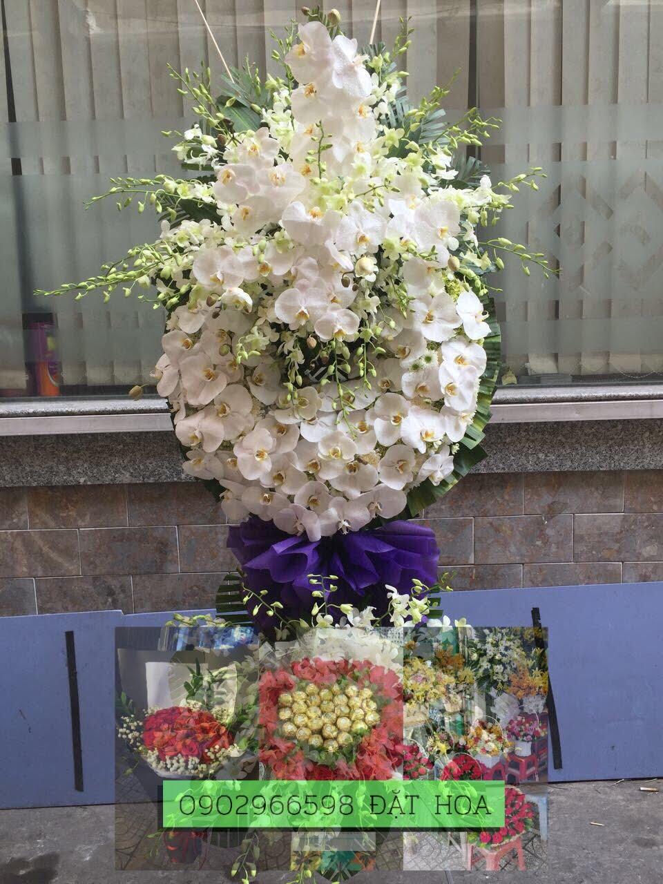 Lẵng hoa viếng Ánh Chiều Tà