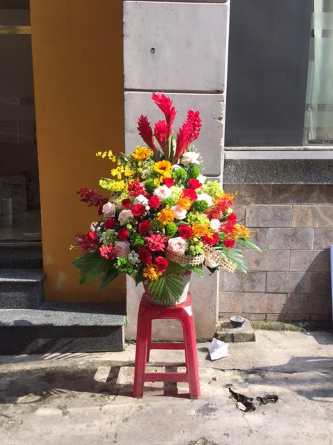 Bình hoa tươi tặng người yêu