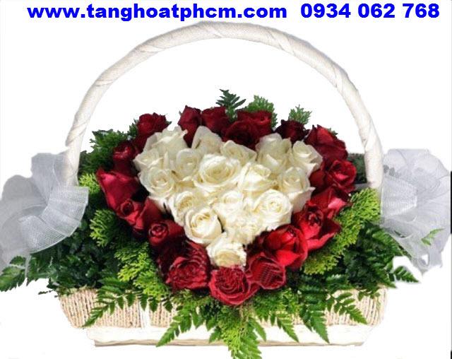 Giỏ hoa sinh nhật Hồng trái tim