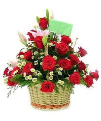 """Giỏ hoa hồng 8 tháng 3 """"May Mắn"""""""