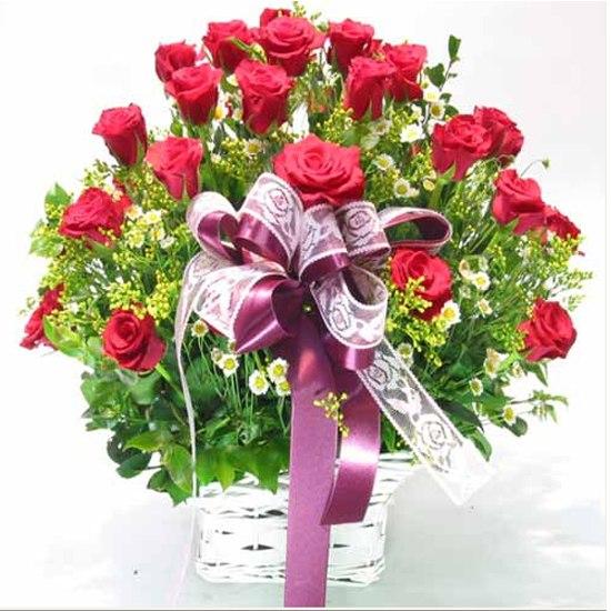 """Giỏ hoa 8 tháng 3 """"Tình Yêu Lớn"""""""