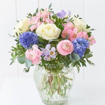 Scented Elegance Vase United Kingdom