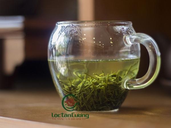 Sắc nước trà đinh sau khi pha