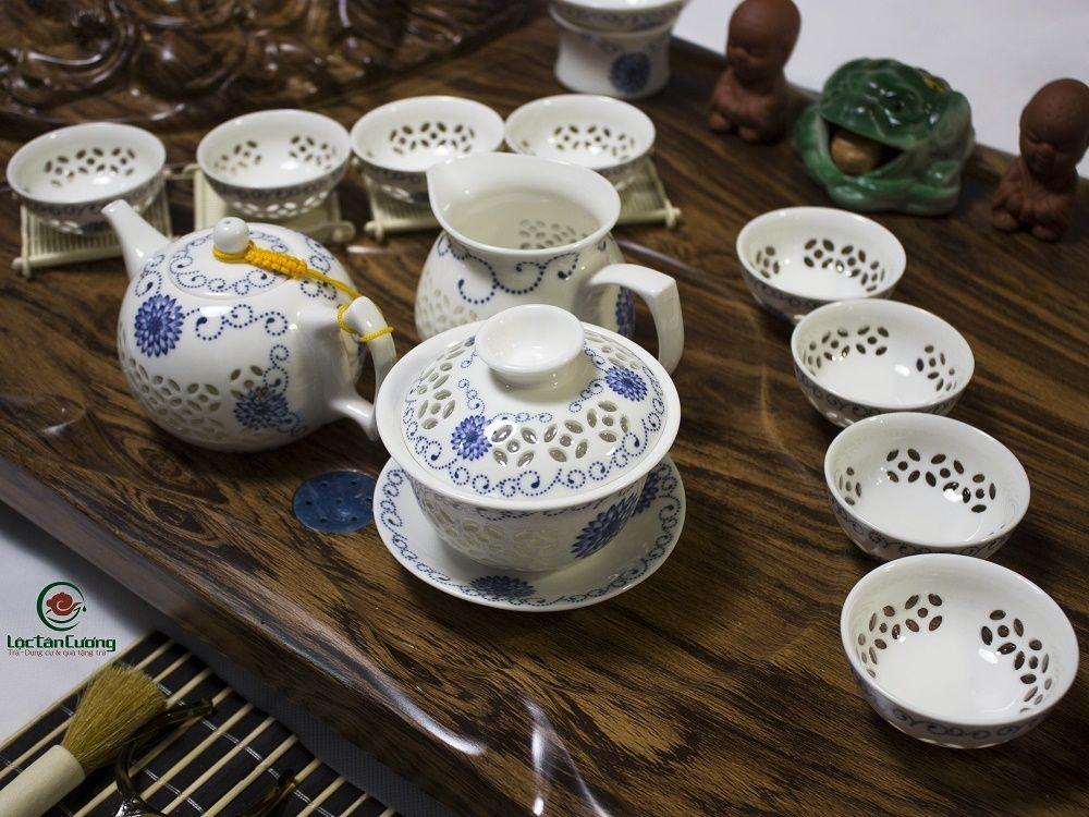 Bàn trà điện phật di lạc ấm trắng