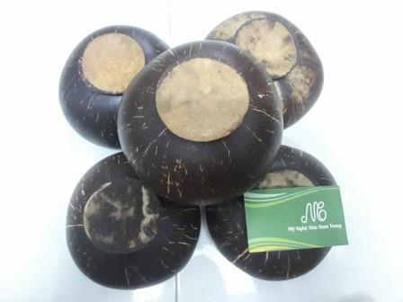 Tô bát gáo dừa có đế 30k - Mỹ Nghệ Dừa Nam Trang