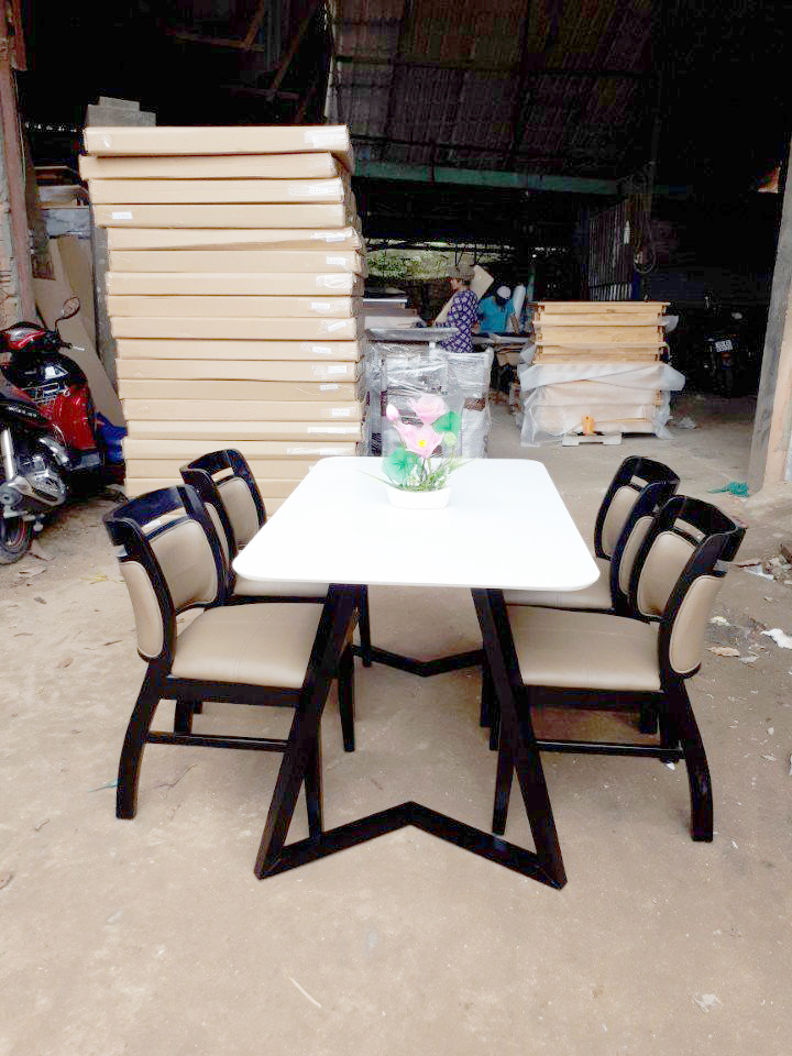 Bàn ghế ăn Sala 1m2 (4 ghế)