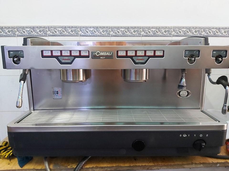 Thanh lý máy pha cafe chuyên nghiệp La Cimbali M27 - 2 group mới 95%.