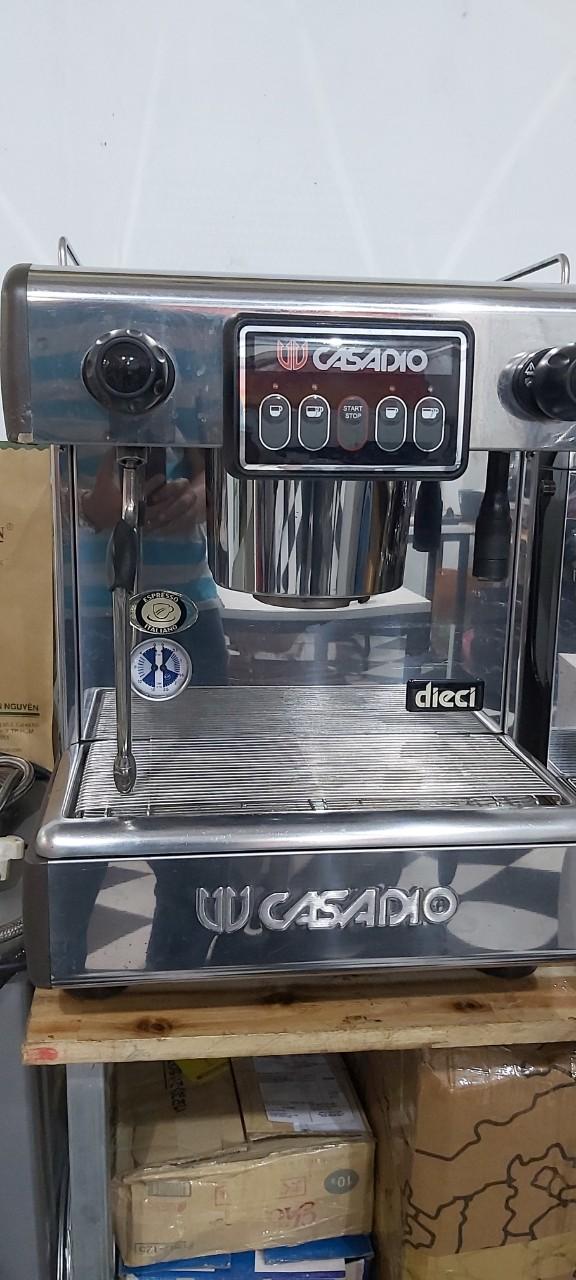 Máy pha cà phê Casadio Dieci A1 cũ giá rẻ 30%.