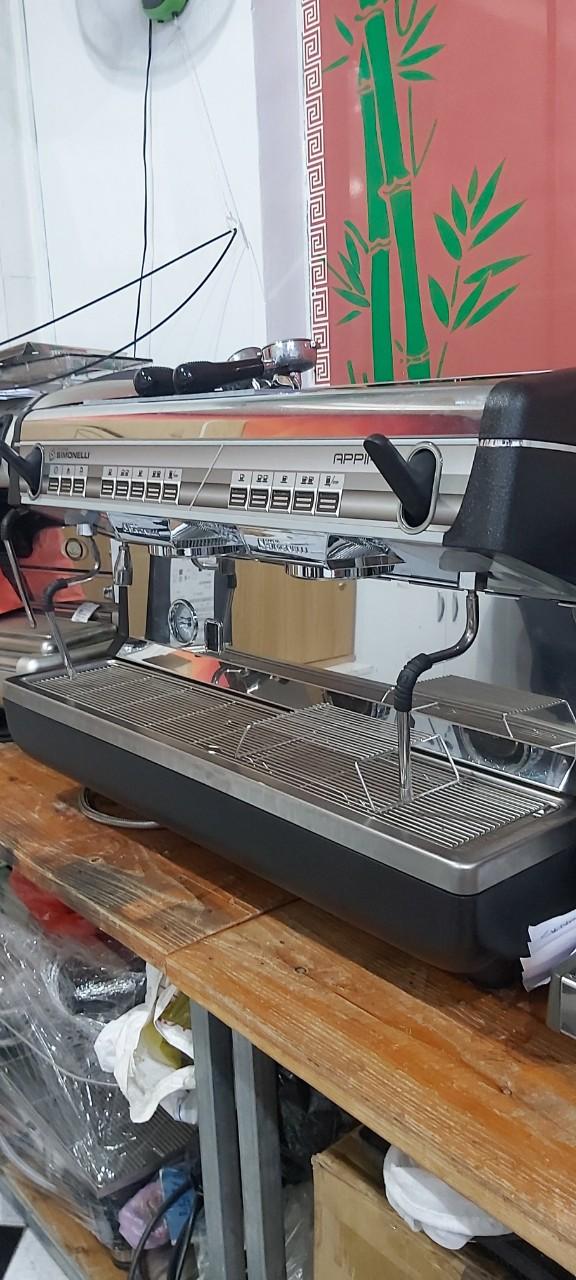 Thanh lý máy pha cafe Ý :  Máy pha cà phê Simonelli cũ Appia II còn mới 95%.