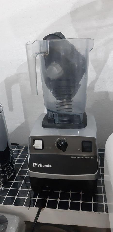 Máy xay sinh tố cũ Thanh lý giá rẻ VITAMIX ADVANCE.