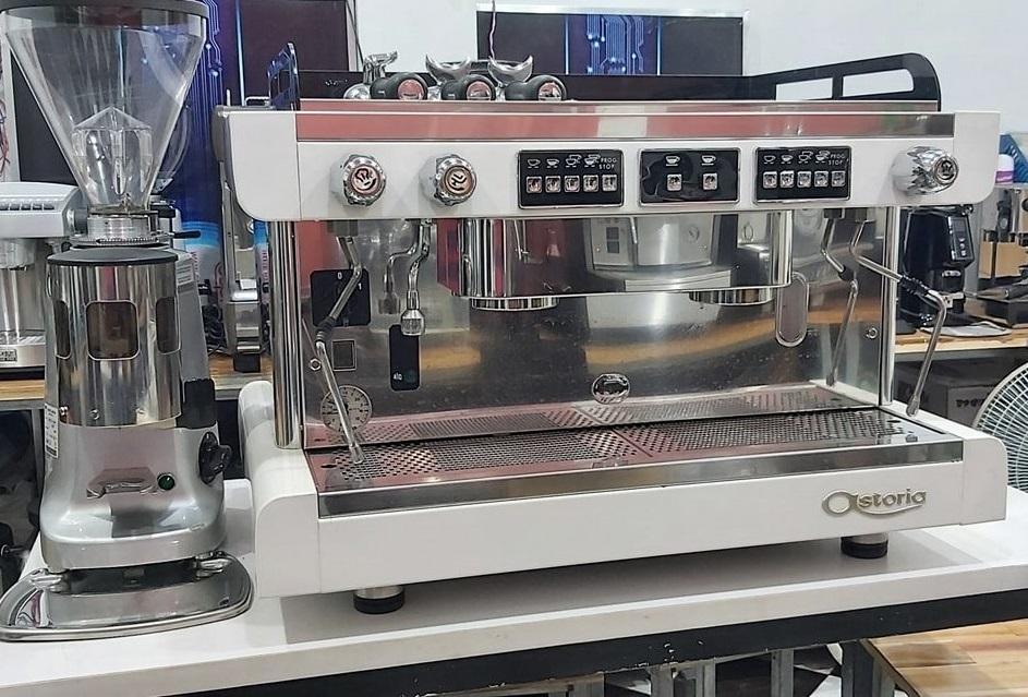 Máy pha cafe Astoria cũ 2 group SAE nguyên bộ kèm máy xay cafe Mazzer màu trắng sang trọng giá rẻ nhập khẩu Ý.
