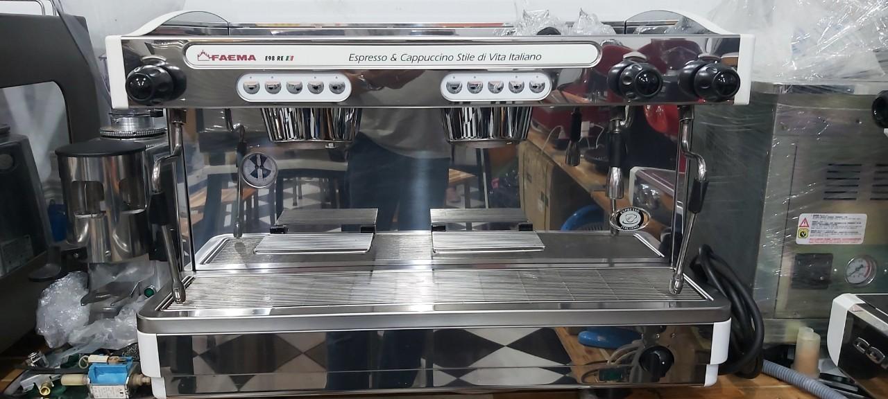 Máy pha cà phê Faema E98 cũ thanh lý giá rẻ 56tr/máy