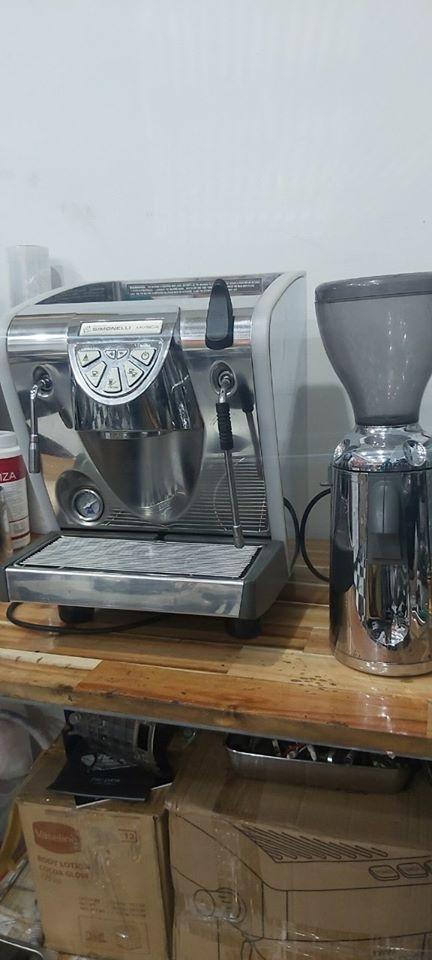 Thanh lý máy pha cafe Nuova Simonelli Musica và máy xay cà phê nguyên bộ giá rẻ