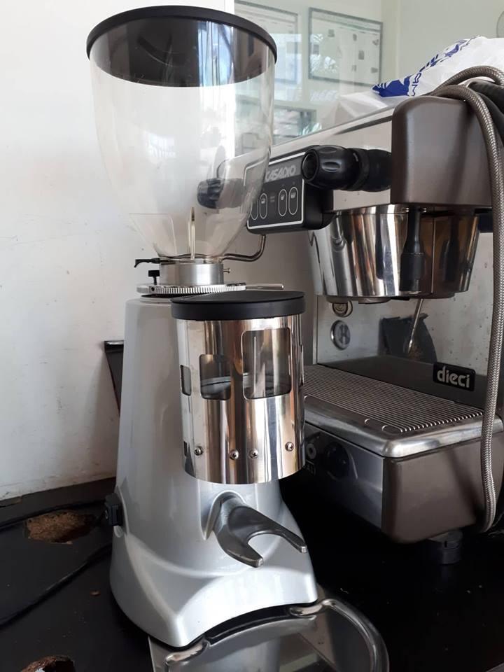 Thanh Lý Máy Xay Cafe chuyên nghiệp thương hiệu Ý Fiorenzato F5 còn mới 95 giá tốt nhất thị trường.