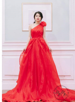 Áo cưới my my thiết kế xoè to lệch vai và phối hoa voan (đỏ)