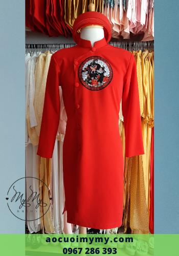 Áo dài bưng quả nam cách tân màu đỏ kết hoa văn trên ngực áo - cho thuê áo dài bưng quả Nam