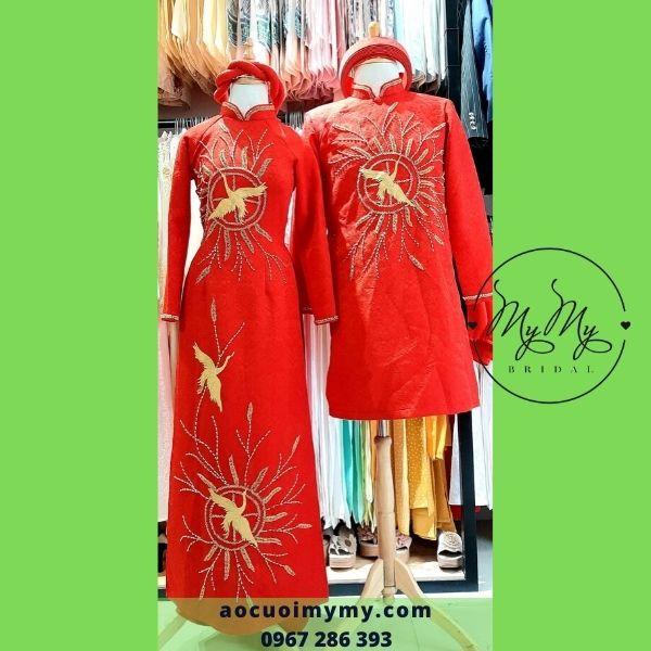 Áo dài cặp cô dâu chú rể chất liệu gấm đỏ kết chim hạc