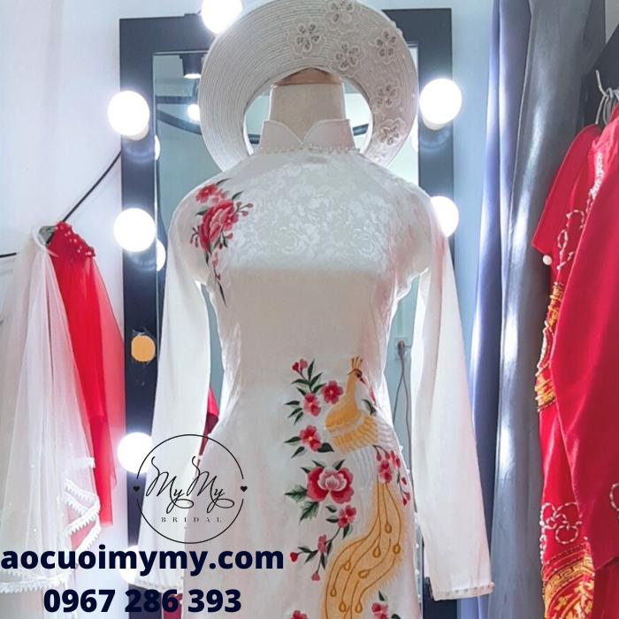 Áo dài cô dâu gấm trắng thêu hoa - Chi thuê áo dài cưới