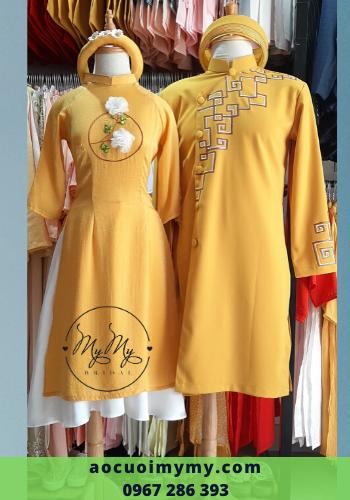 Áo dài bưng quả nam nữ cách tân màu vàng tươi vẽ tay kết hoa 3D ngực áo - cho thuê áo dài bưng quả Nam Nữ