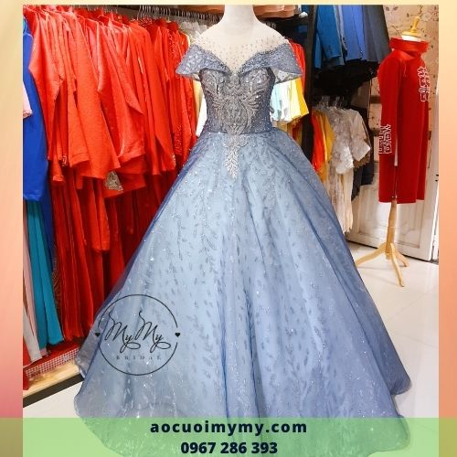 Váy cưới công chúa trễ vai màu xanh