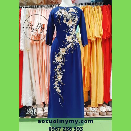 Áo dài mẹ  đính kết hoa sang trọng - cho thuê áo dài sui áo dài trung niên