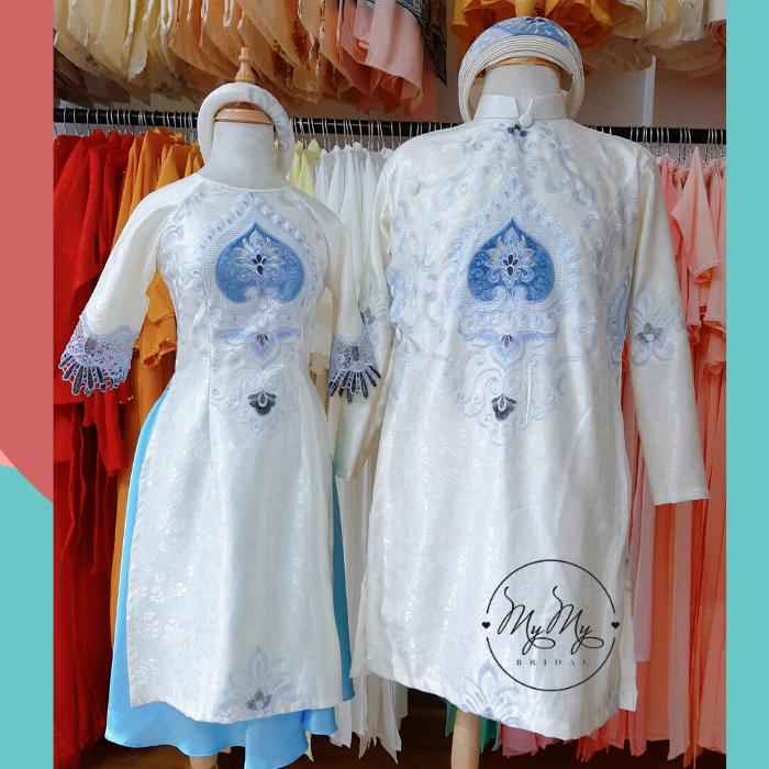 Áo dài bưng quả nền trắng thêu trái tim - Dịch vụ cho thuê áo dài bê tráp