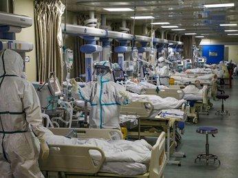 Mọi thứ trở nên hỗn loạn chưa từng thấy: Các bệnh viện Mỹ đang vỡ trận vì đại dịch virus corona