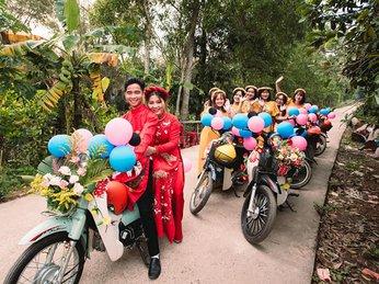 Chú rể Quảng Trị rước dâu bằng dàn xe Cub