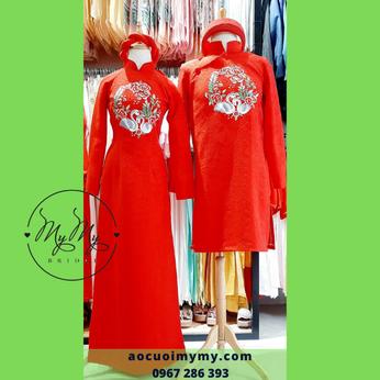 Áo dài cặp cô dâu chú rể chất liệu gấm đỏ thêu đôi chim thiên nga
