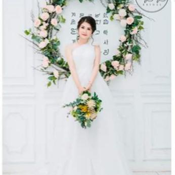 Áo cưới my my thiết kế xoè nhẹ lệch vai và phối hoa voan (trắng)