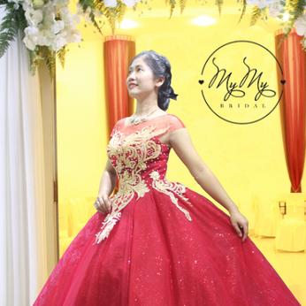 Áo đầm cô dâu đỏ mận