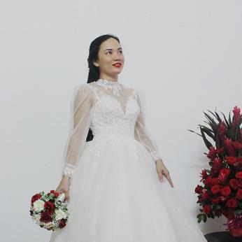 Áo đầm cô dâu màu trắng tay voan dài